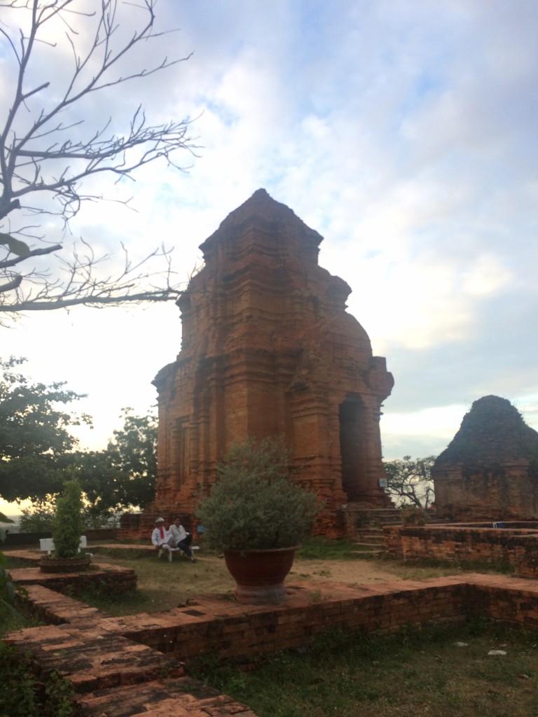 Тиамские башни между Муйне и Фантьетом